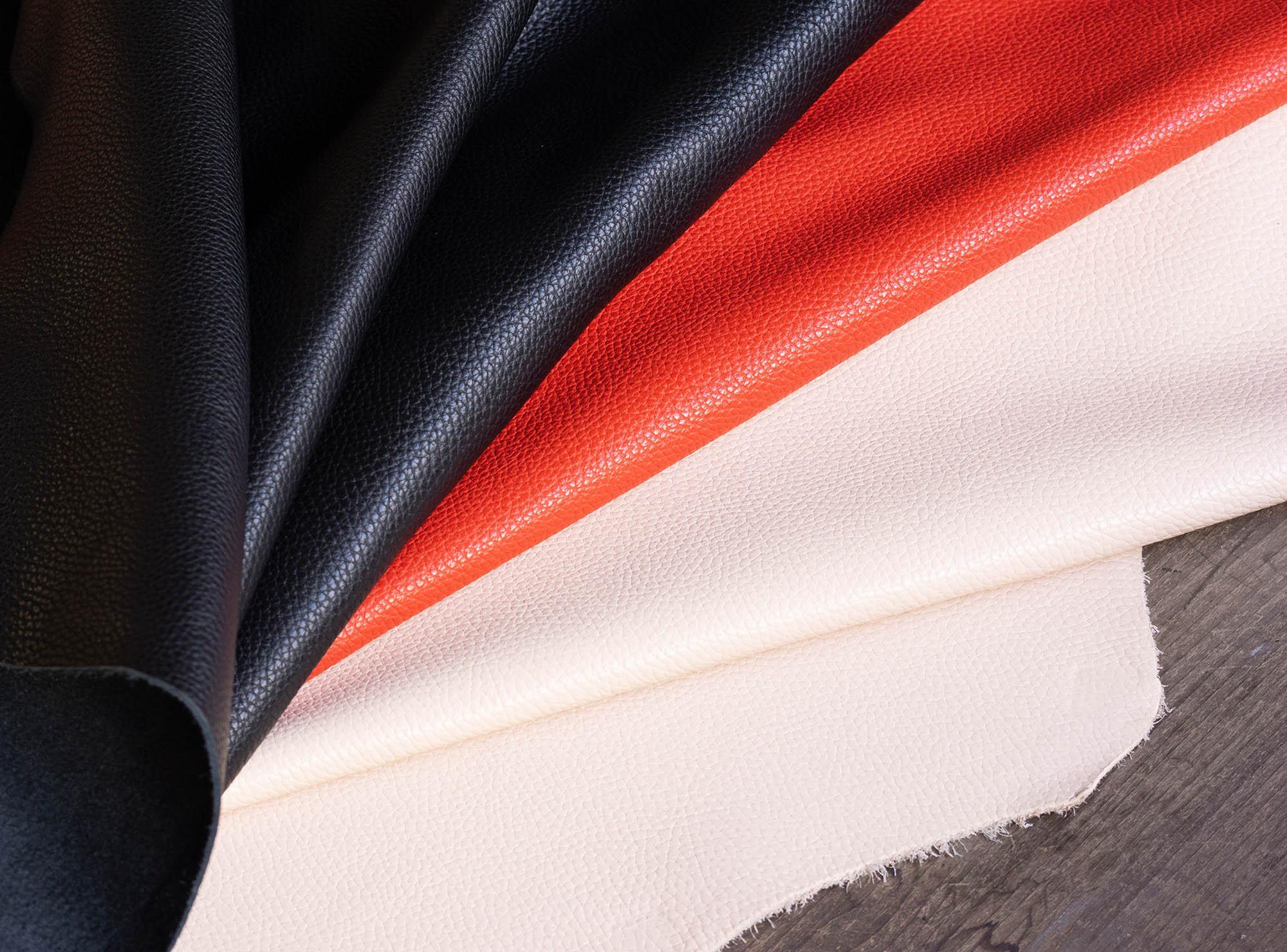 ボルセッタシリーズの革紹介|レザーポーチに適したイタリア産ソフトシュリンクレザー「アドリア」を使用