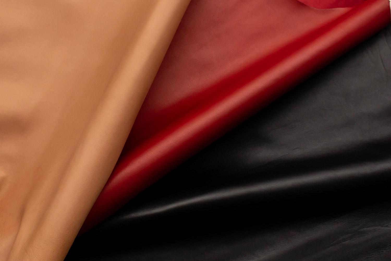 フランスのラム専門タンナー、「ボダン-ジョワイユー」が手掛けた厳選されたラムスキン