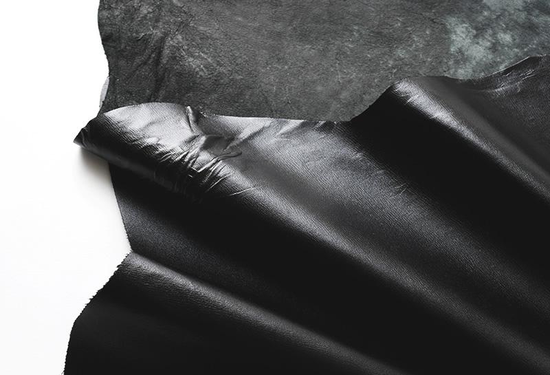 カンガルー 薄く強靭な特性は革財布の素材として相性抜群