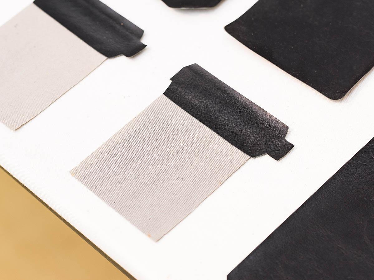 革と生地を貼り合わせたパーツ