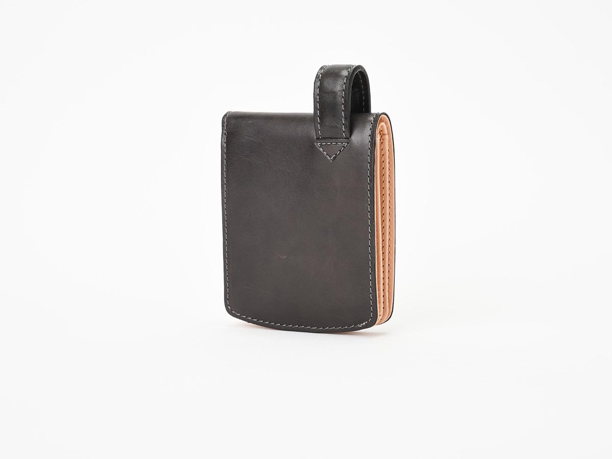 バグッダ ヒップポケット 二つ折りカード収納財布_01