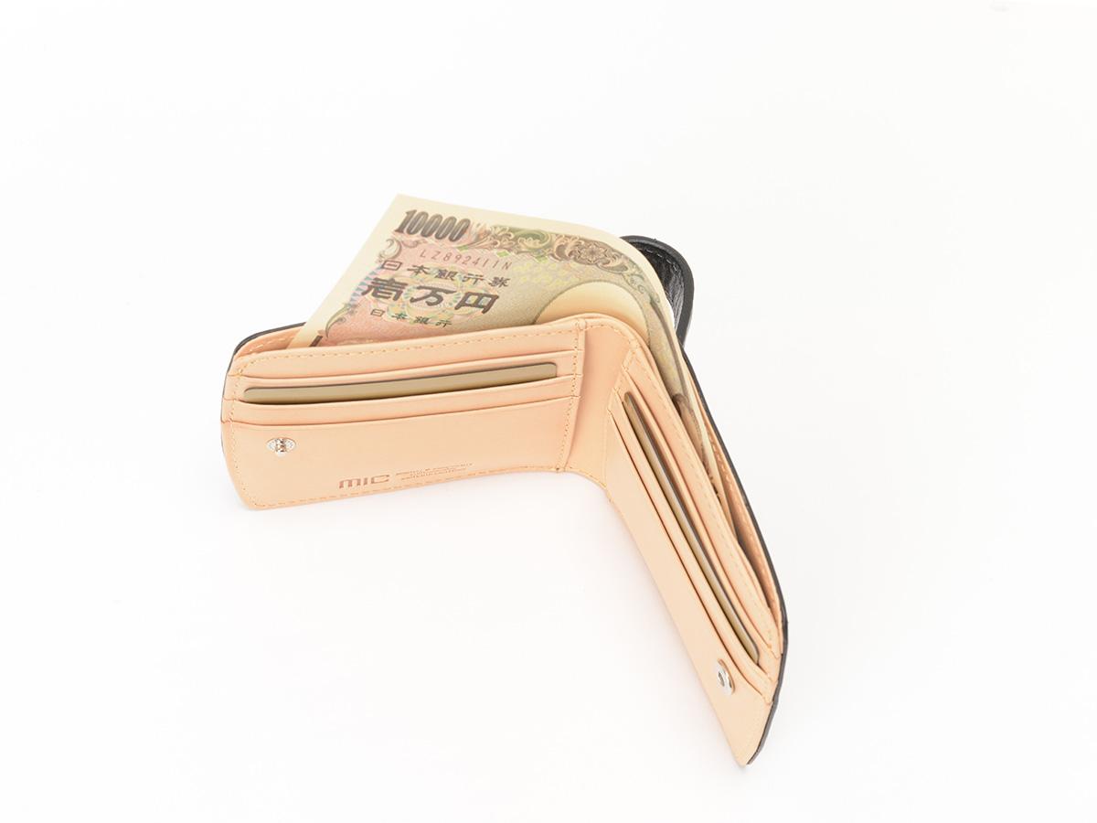 バグッダ ヒップポケット 二つ折りカード収納財布_02