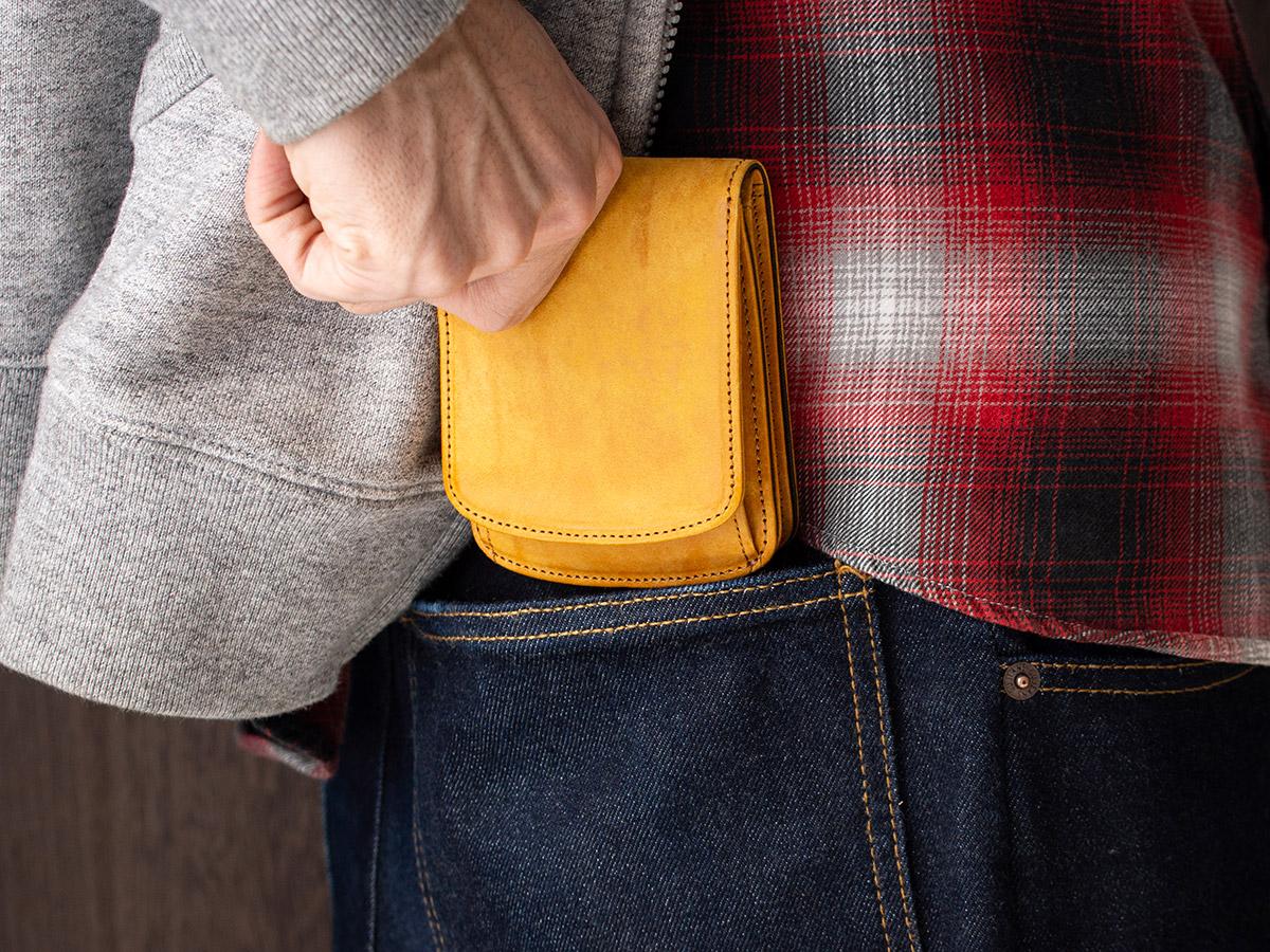マヤ 外ボックス小銭入れ付き二つ折り財布_03