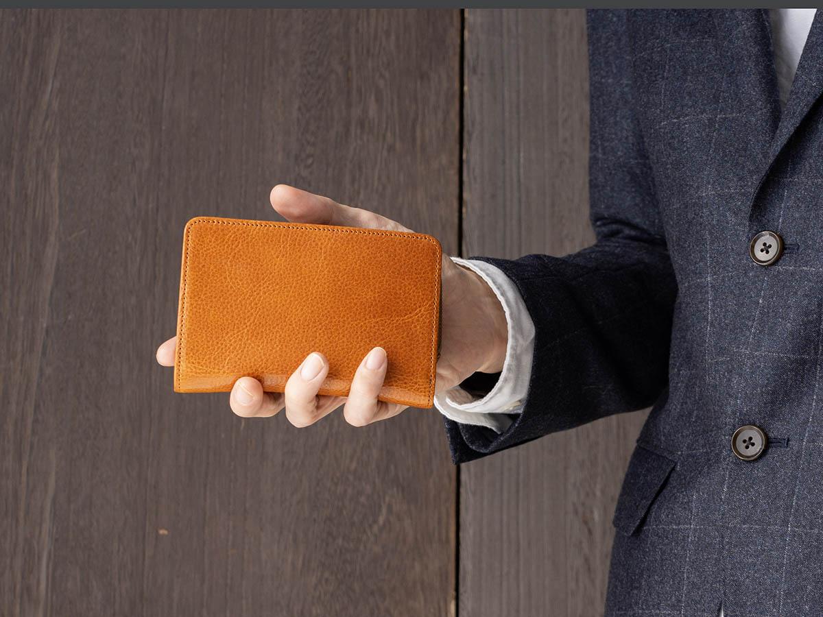 ポーラ L字ファスナー二つ折り財布_02